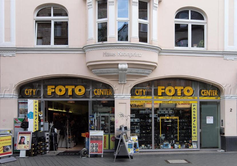 Bonner City-Foto-Center gegenüber von Puppenkönig