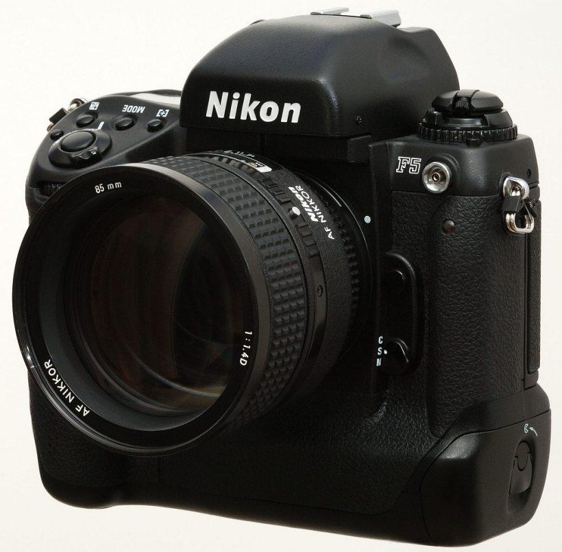 Nikon F5 mit AF-D 1.4/85mm