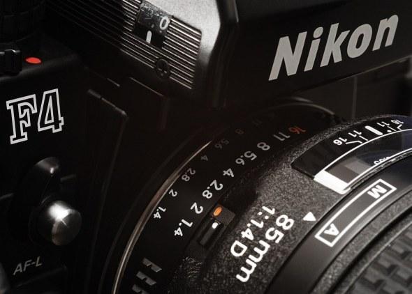 Nikon F4 mit AF-D 1.4/85mm