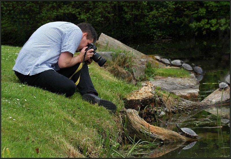 Ansgar mit Nikon F4 und Sigmar 2.8/105mm Macro