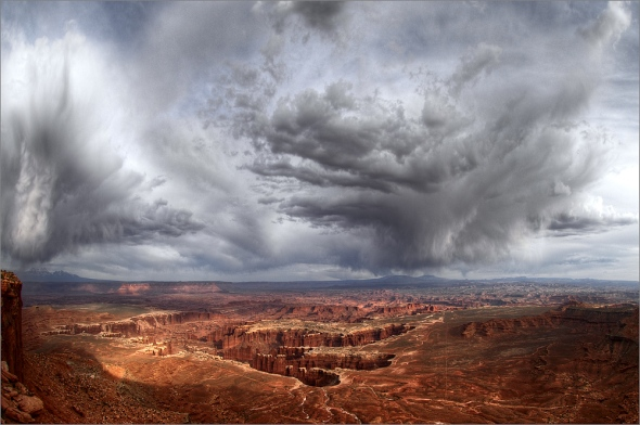 Nikon D2x - Storm over Canyonlands II