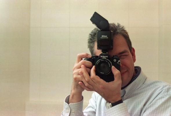 Nikon Fe mit Nikon SB-800 und Agfa Vista Color