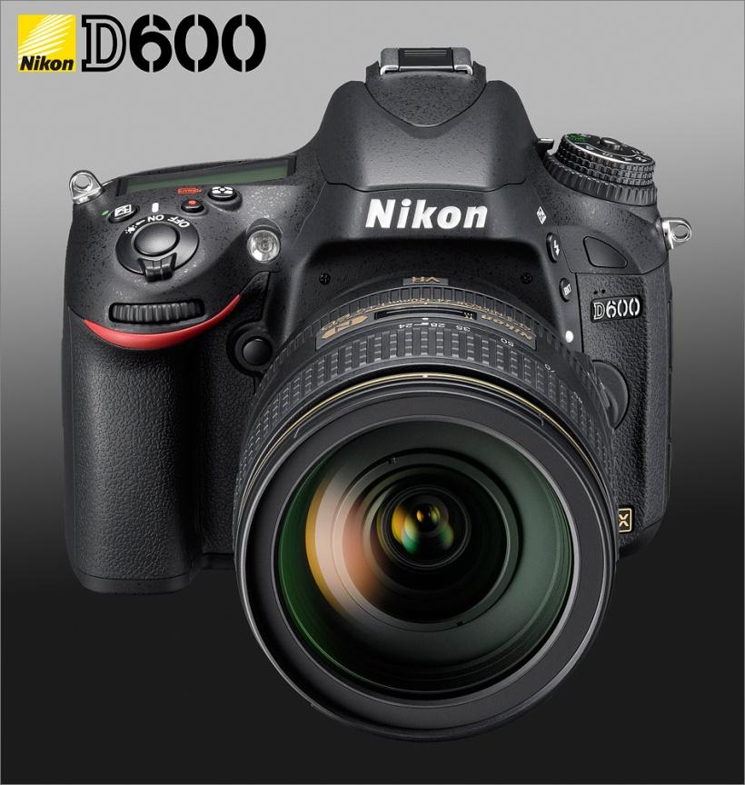 Nikon D600 - AF-S VR 24-120mm - Front - Top