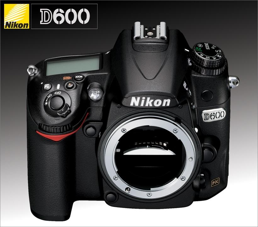 Nikon D600 - Front - Top